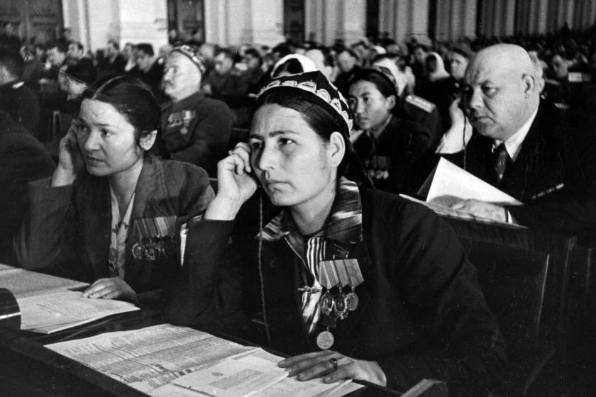 Deputies from the Uzbek SSR at a sitting of the Soviet of Nationalities